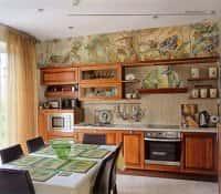Декорирование стен на кухне - фото интерьеров