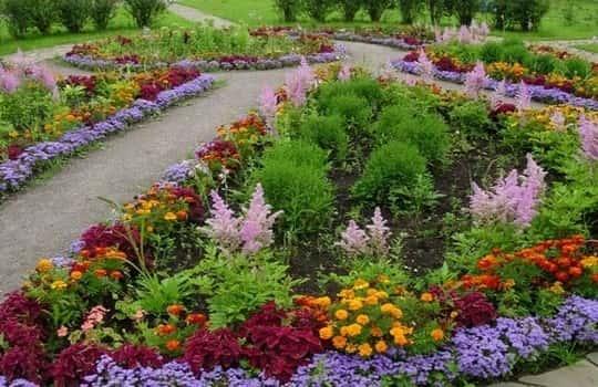 Цветники своими руками (идеи в фото) 44973