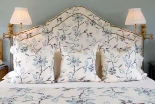 Как сделать королевское изголовье кровати