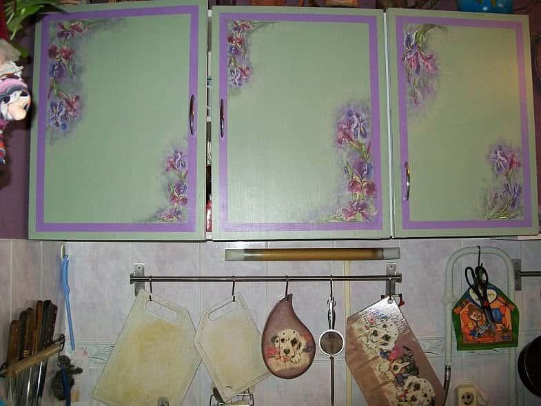 Обновить старую мебель на кухне своими руками