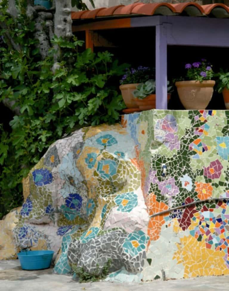 Дачная мозаика в саду своими руками 24