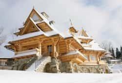 Деревянный сказочный дворец - дом мечты