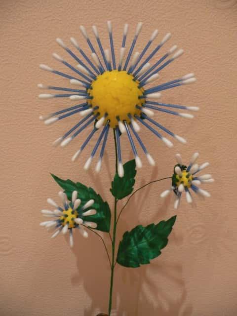 Из ватных палочек цветы