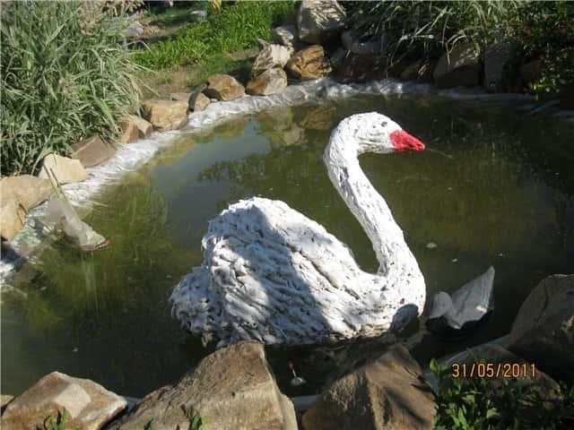 Как сделать лебедя для пруда своими руками 53