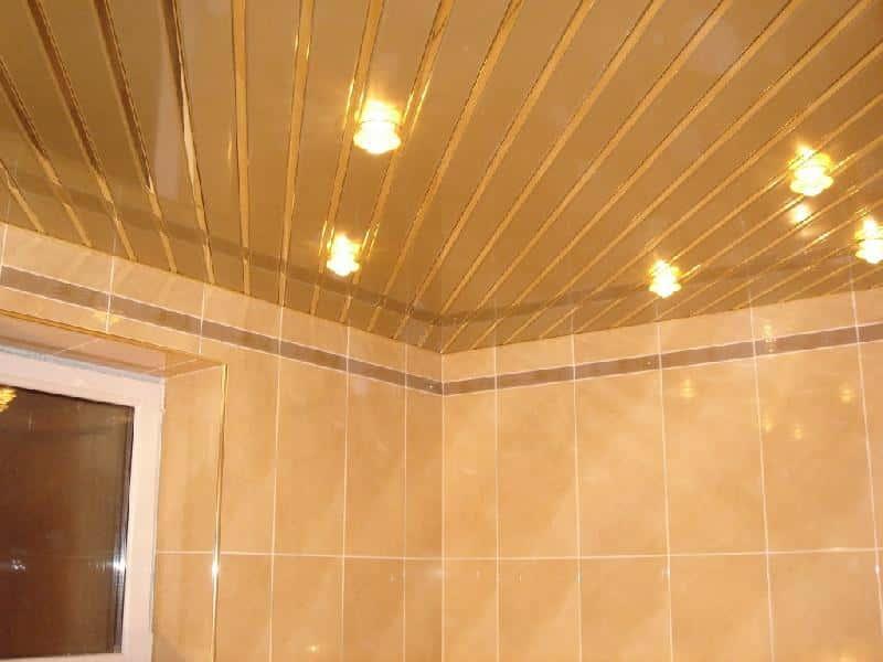 Как лучше сделать в ванной потолок