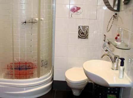 Выбираем сантехнику: душевая кабина и ванна