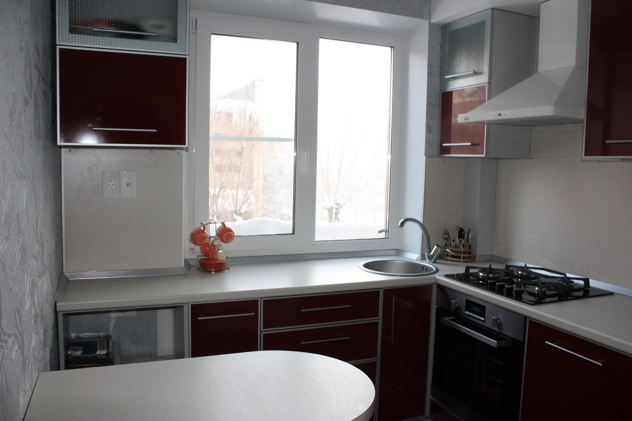 Дизайн для маленькой кухни в хрущевке с