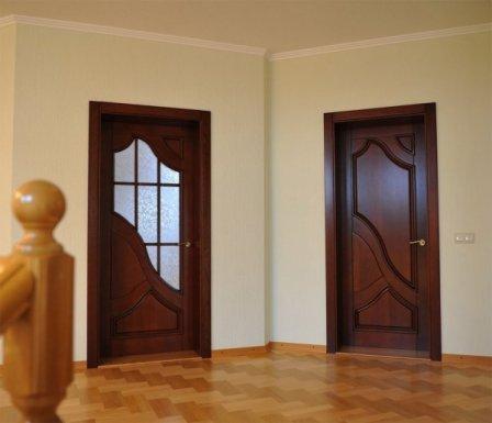Особенности межкомнатных шпонированных дверей