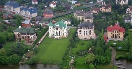 Дома и коттеджи на Рублевке