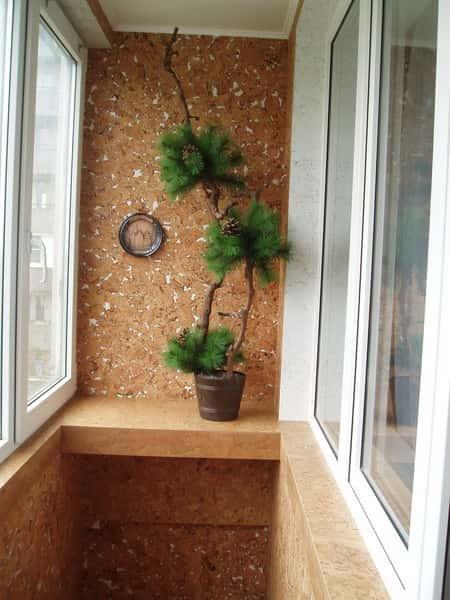 Блин поцарапали панель на балконе.