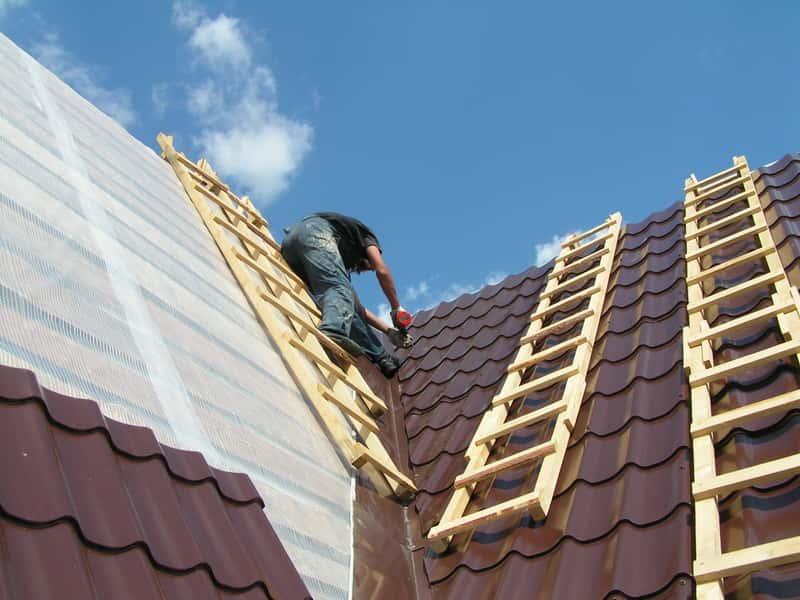 Крыша из металлочерепицы - как покрыть крышу металлочерепицей?