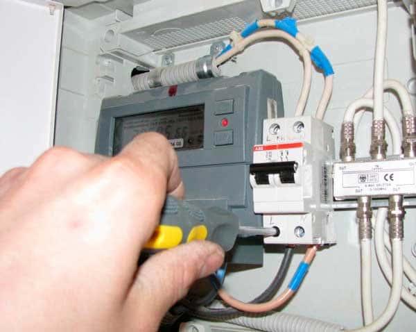 Стоит ли менять электросчетчик