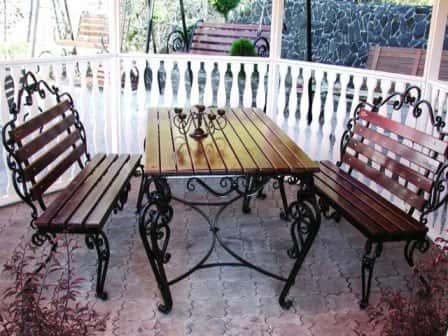Кованая дачная мебель