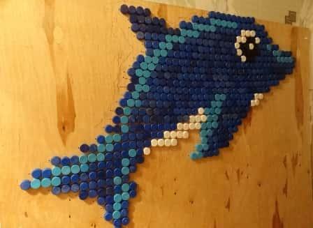 Декор из пластиковых крышек своими руками - фото-идеи