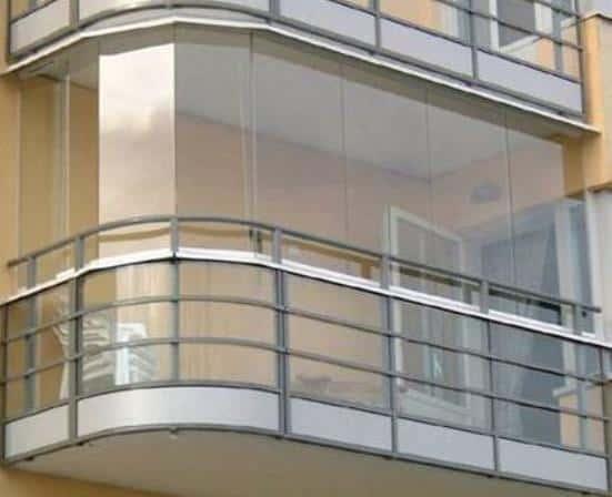 Различия между остеклением балкона и лоджии