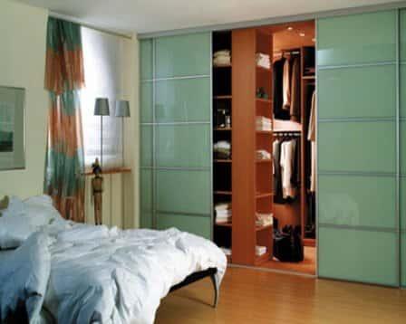 Двери-купе для гардеробной комнаты