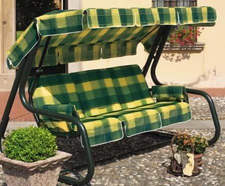 Садовые качели – комфортное место отдыха на вашем участке