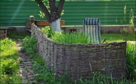 Плетень как декоративный элемент дачного участка