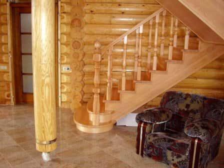 Деревянные лестницы для дачи
