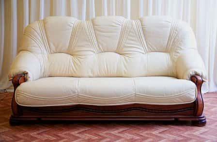 Реставрация мягкой мебели – преимущества услуги