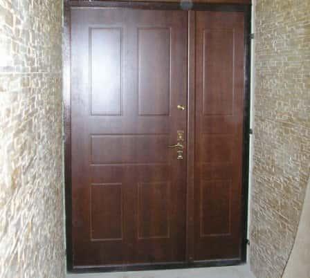 Тамбурная дверь – дополнительная защита вашего жилища