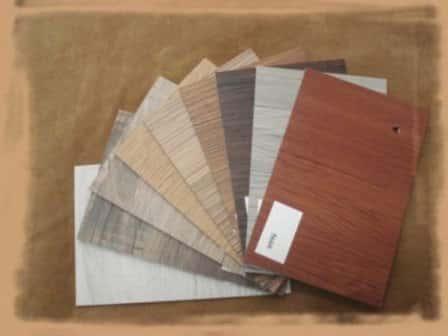 Как укладывать виниловое напольное покрытие дизайн-плитку ПВХ (видео)