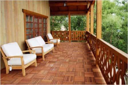 Деревянная терраса к дому - функциональное сооружение на участке