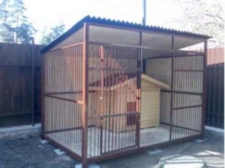 Вольеры - надежные домики для собак