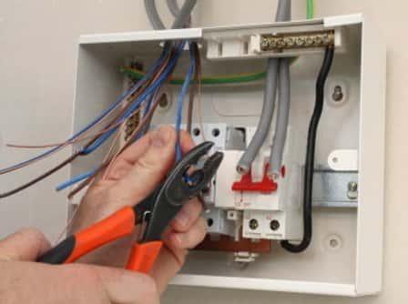 Услуги электрика - залог безопасности