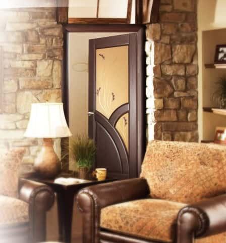 Межкомнатные двери со стеклом – стильный и выразительный интерьер