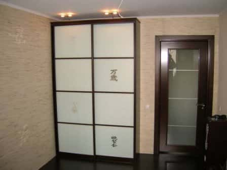 Расширяем комнату с помощью шкафа-купе