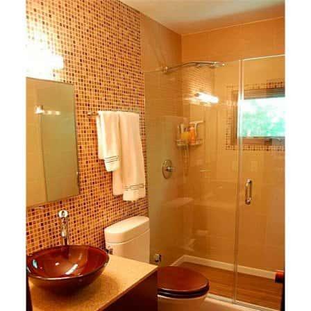 Маленькая, но уютная ванная комната