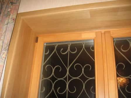 Окна из сосны: особенности и преимущества