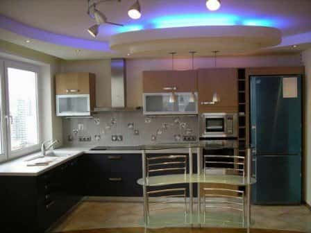 Навесные потолки на кухне: на чем остановить выбор?