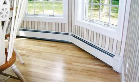 Отопление дома с помощью конвекторов плинтусного типа