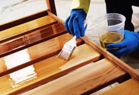 Защита древесины антисептиком