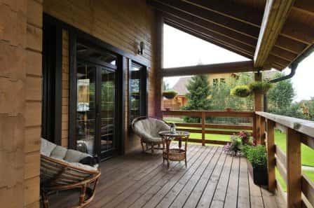 Прочный материал – залог прочного дома: о преимуществах клееного бруса