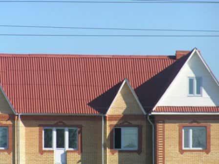 Чем покрасить шиферную крышу?