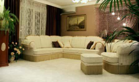 Как правильно выбрать угловой диван в гостиную?