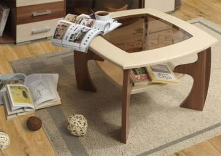 Журнальный столик в интерьере - фото
