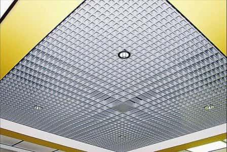 """Прочный и оригинальный потолок """"Грильято"""""""