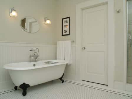 Преимущества и недостатки чугунной ванны