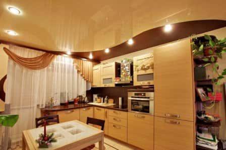 Натяжные потолки на кухне + фото