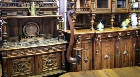 Приобретение антикварной мебели