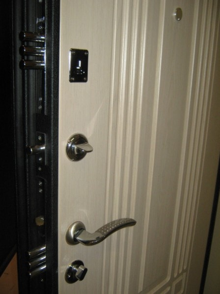 Как заменить входную дверь?