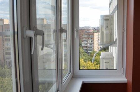 Отличия вариантов остекления балкона