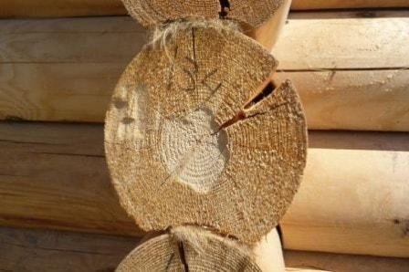 Причины, по которым образуются трещины в деревянных конструкциях
