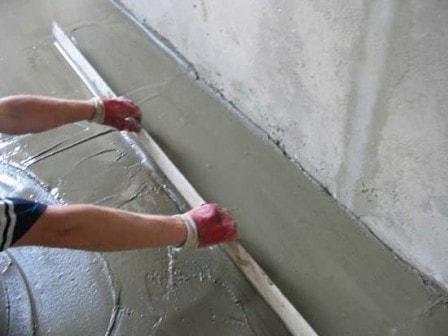 Устройство цементной стяжки пола