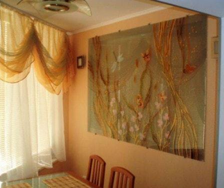 Стеклянное панно на стену