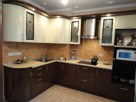Кухни с фасадом из крашенного мдф